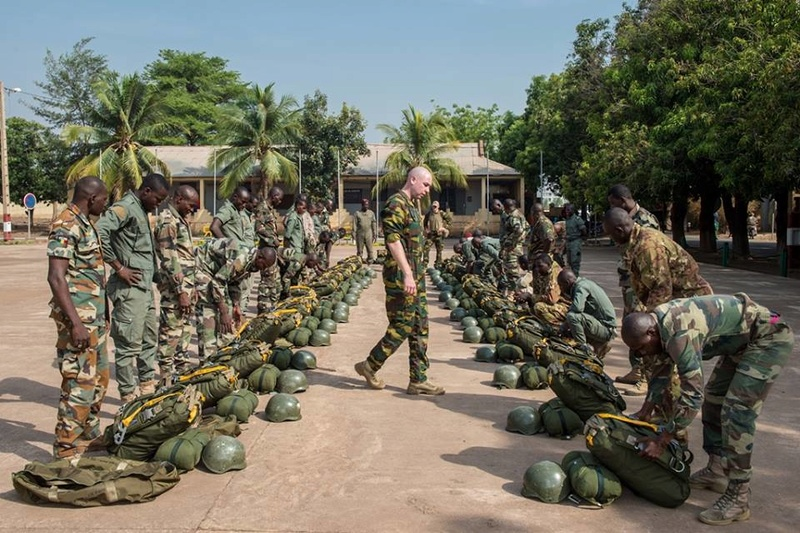 Armée Malienne / Armed and Security Forces of Mali - Page 14 6767