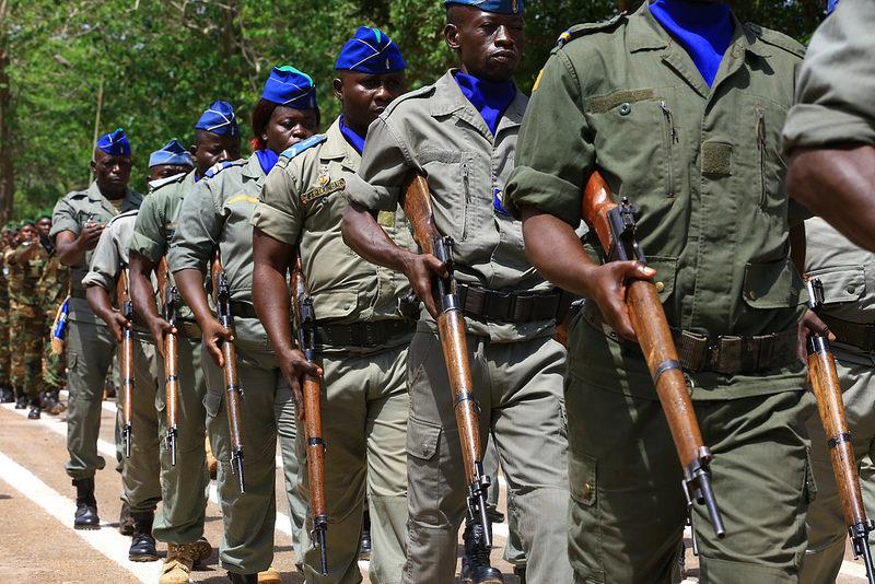 Armées de la République centrafricaine  - Page 3 6820