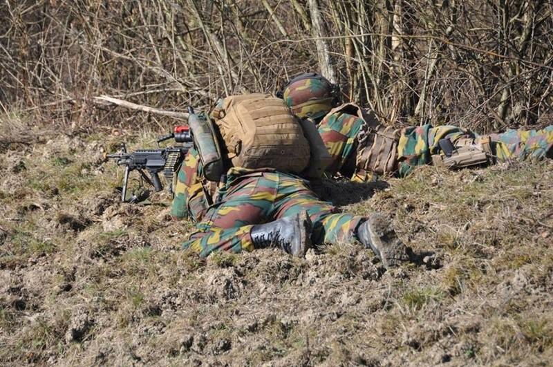 Armée Belge / Defensie van België / Belgian Army  - Page 10 6837