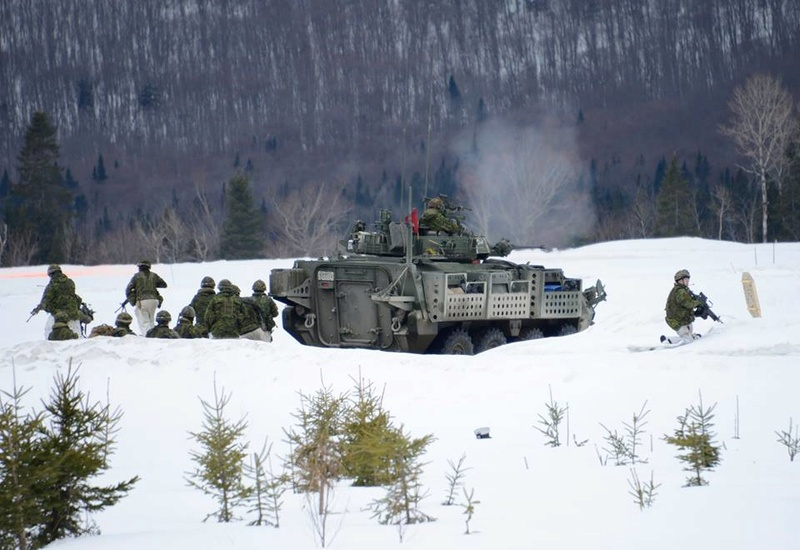 Armée canadienne/Canadian Armed Forces - Page 26 6958