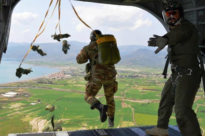 Forces armées grecques/Hellenic Armed Forces - Page 27 7032