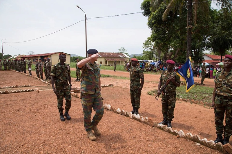 Armées de la République centrafricaine  - Page 3 7039