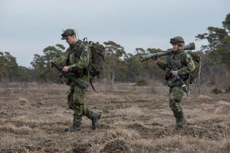 Swedish Armed Forces/Försvarsmakten - Page 12 7056