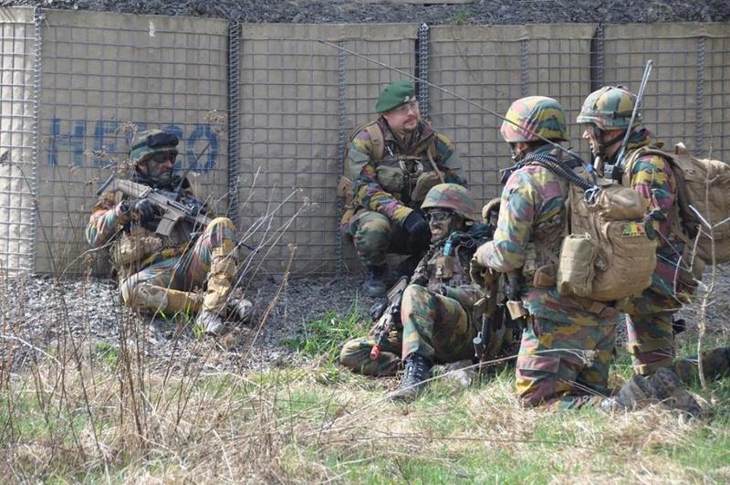 Armée Belge / Defensie van België / Belgian Army  - Page 10 7125