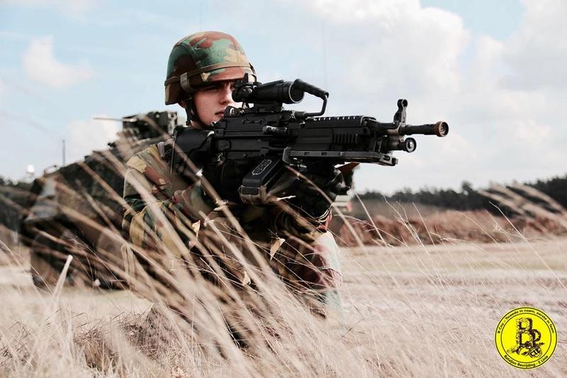 Armée Belge / Defensie van België / Belgian Army  - Page 10 7126