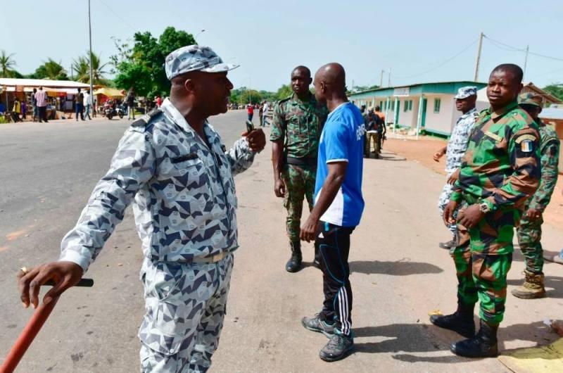 Les Forces de défense et de sécurité de Côte d'Ivoire - Page 5 7278