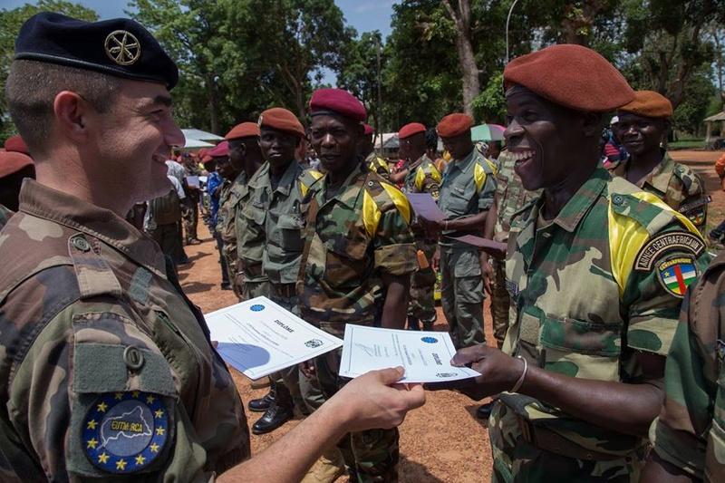 Armées de la République centrafricaine  - Page 3 7331