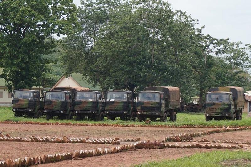 Armées de la République centrafricaine  - Page 3 7375