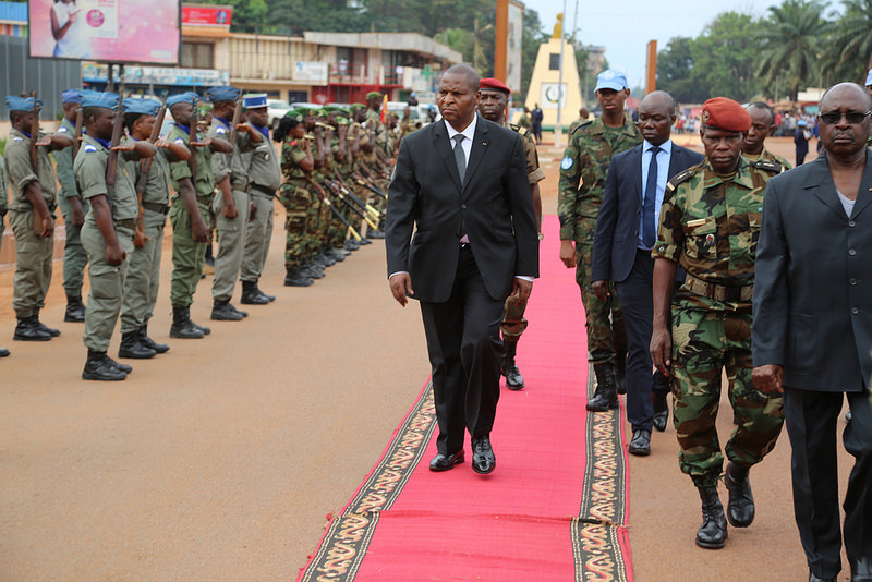 Armées de la République centrafricaine  - Page 3 7711