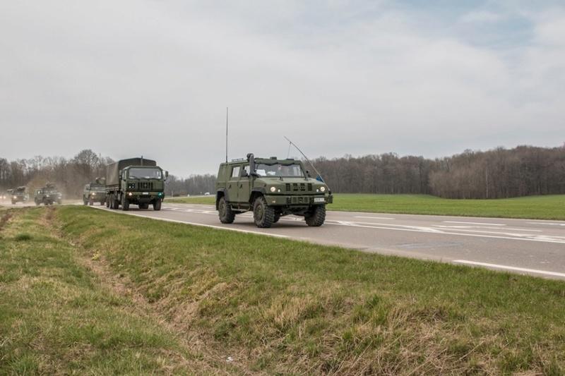 Armée Belge / Defensie van België / Belgian Army  - Page 10 7719