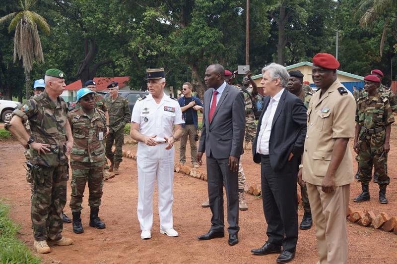 Armées de la République centrafricaine  - Page 3 7750