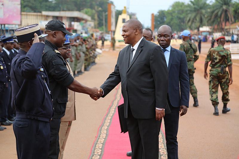 Armées de la République centrafricaine  - Page 3 7811