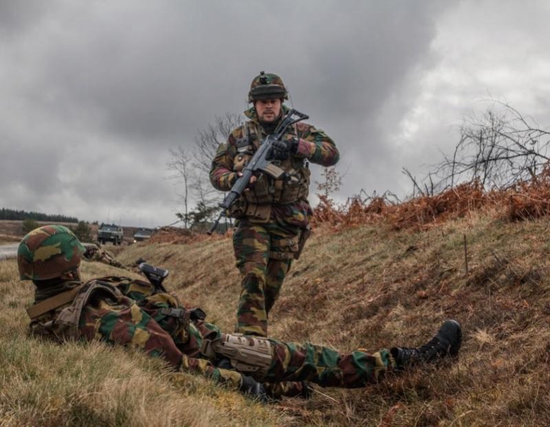 Armée Belge / Defensie van België / Belgian Army  - Page 10 7819