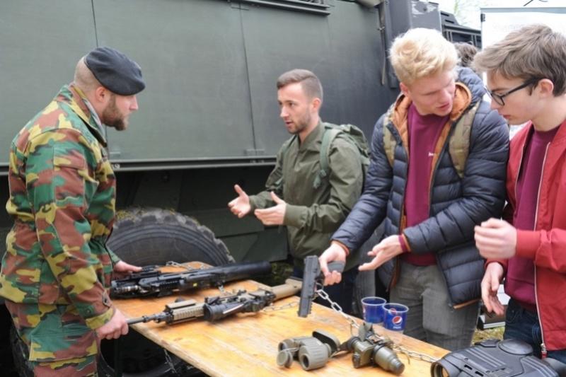 Armée Belge / Defensie van België / Belgian Army  - Page 10 7923