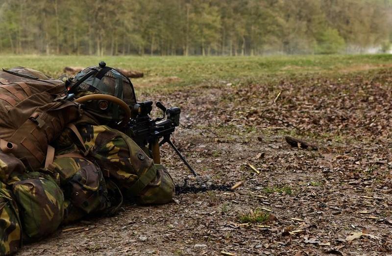 Armée Hollandaise/Armed forces of the Netherlands/Nederlandse krijgsmacht - Page 20 8319