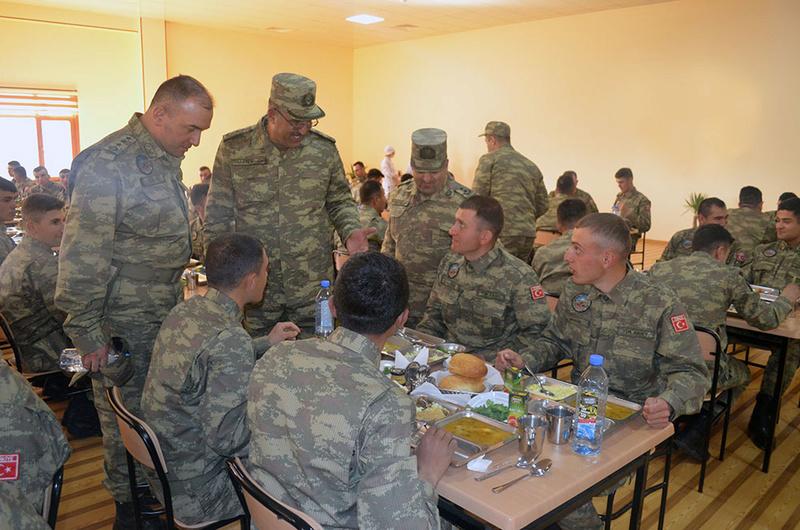 Armée Azeri / Azerbaijani Armed Forces / Azərbaycan Silahlı Qüvvələri - Page 13 8321