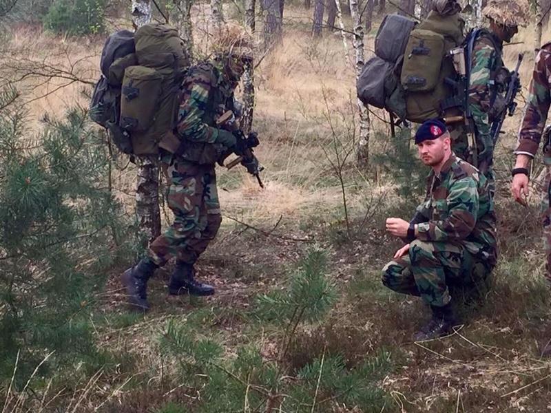 Armée Hollandaise/Armed forces of the Netherlands/Nederlandse krijgsmacht - Page 20 8427