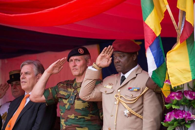 Armées de la République centrafricaine  - Page 3 8446