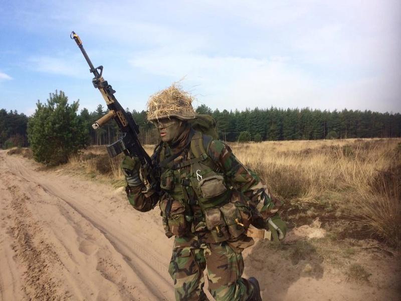 Armée Hollandaise/Armed forces of the Netherlands/Nederlandse krijgsmacht - Page 20 8523