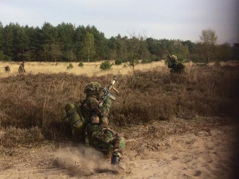 Armée Hollandaise/Armed forces of the Netherlands/Nederlandse krijgsmacht - Page 20 8722