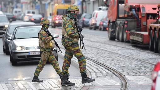 Armée Belge / Defensie van België / Belgian Army  - Page 10 8729