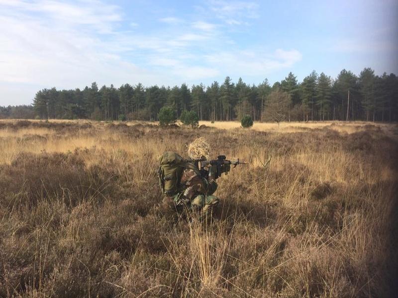 Armée Hollandaise/Armed forces of the Netherlands/Nederlandse krijgsmacht - Page 20 8818
