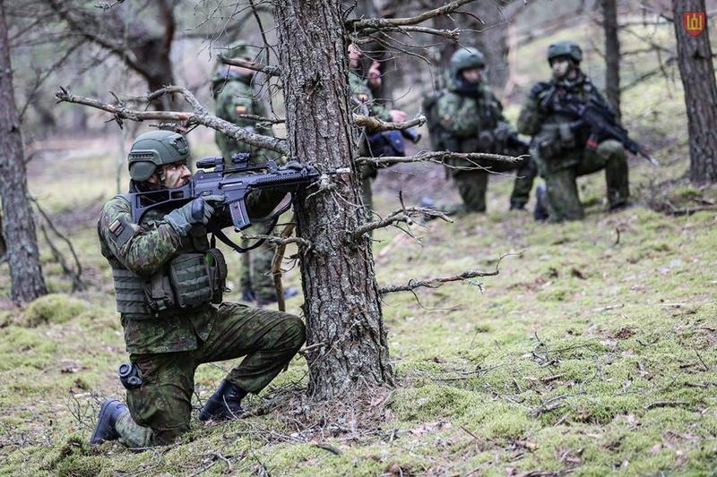 Armée lituanienne/Lithuanian Armed Forces - Page 5 8827