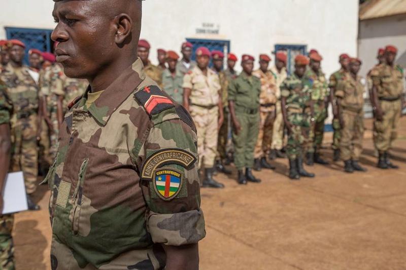 Armées de la République centrafricaine  - Page 3 8861