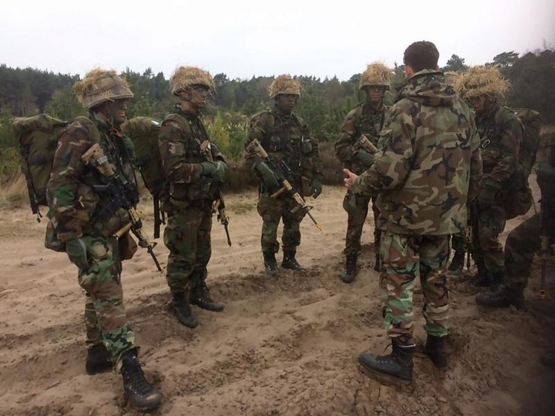 Armée Hollandaise/Armed forces of the Netherlands/Nederlandse krijgsmacht - Page 20 9015