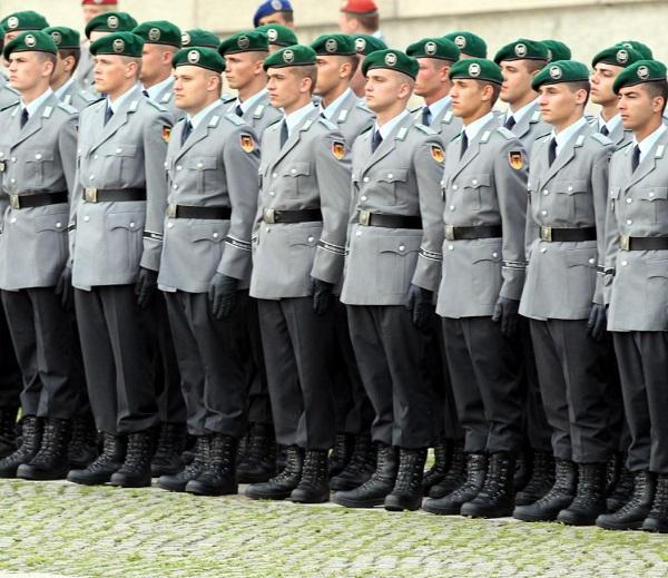 Armée Allemande (Bundeswehr) - Page 2 9228