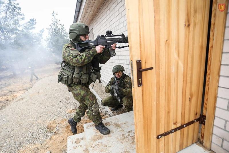 Armée lituanienne/Lithuanian Armed Forces - Page 5 9317