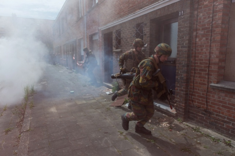 Armée Belge / Defensie van België / Belgian Army  - Page 10 9342