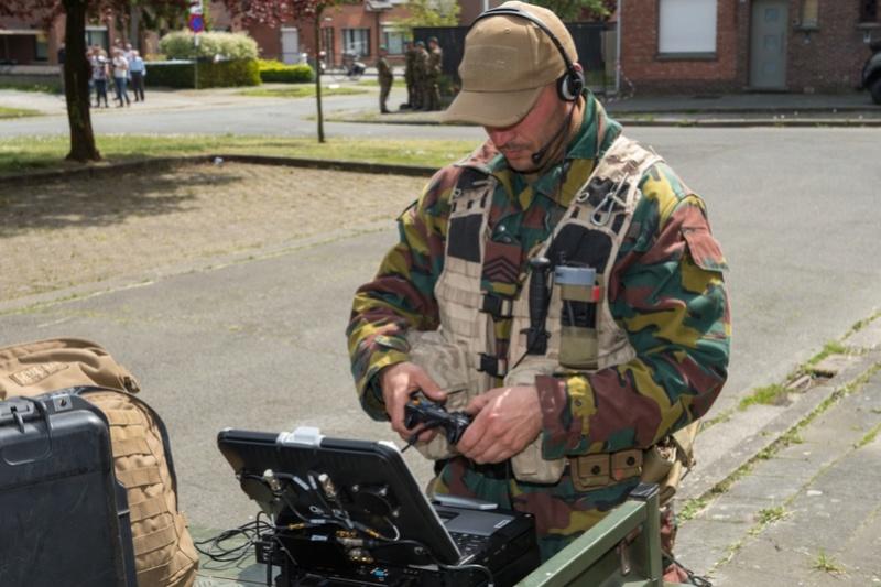 Armée Belge / Defensie van België / Belgian Army  - Page 10 9817