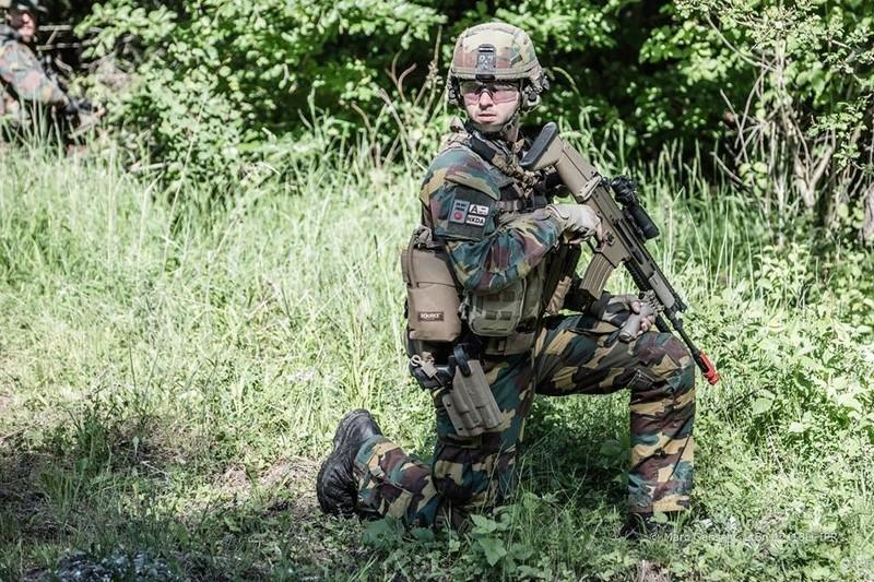 Armée Belge / Defensie van België / Belgian Army  - Page 11 9874