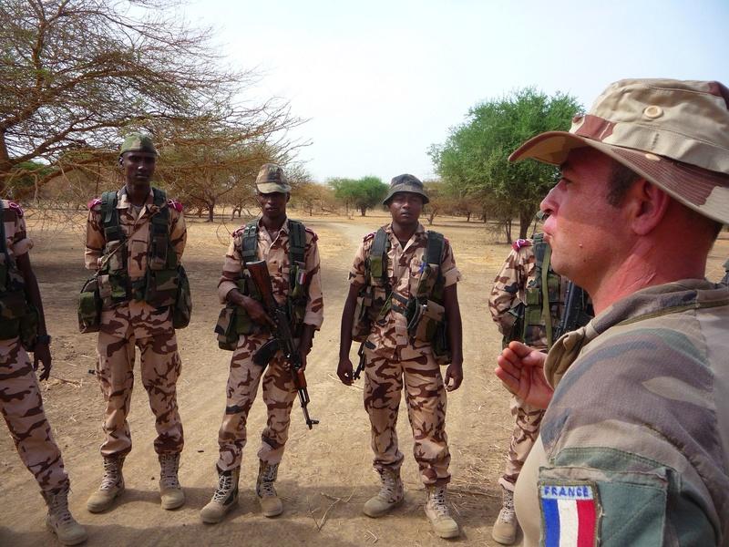 Armée Tchadienne - Page 6 9875