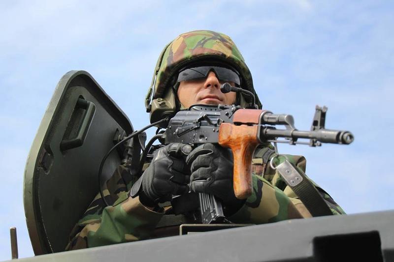 Armée Roumaine/Romanian Armed Forces/Forţele Armate Române - Page 10 98a58