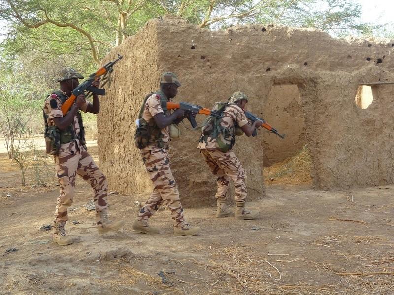 Armée Tchadienne - Page 6 98b46