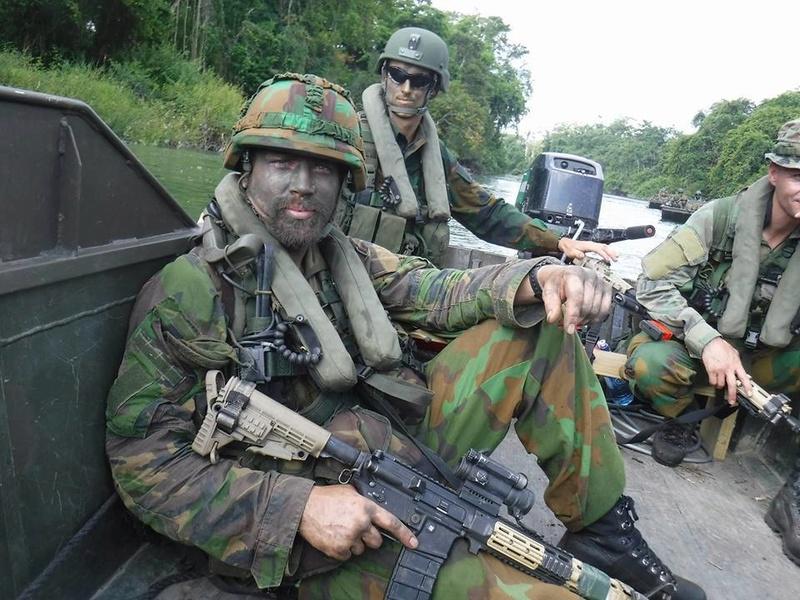Armée Hollandaise/Armed forces of the Netherlands/Nederlandse krijgsmacht - Page 20 98e30