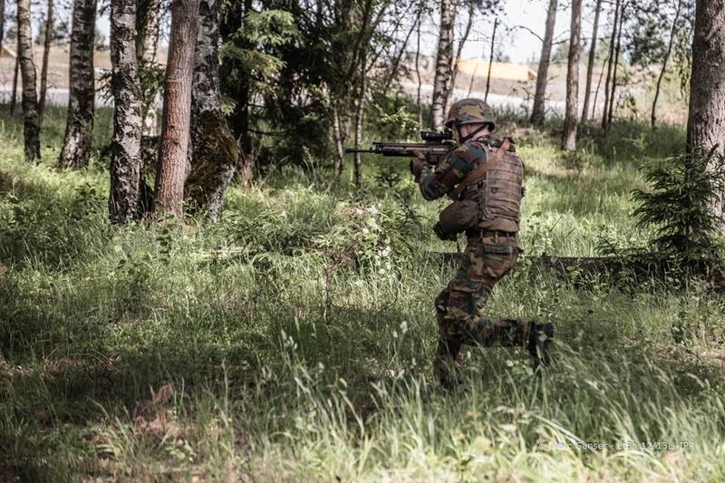 Armée Belge / Defensie van België / Belgian Army  - Page 11 98e34
