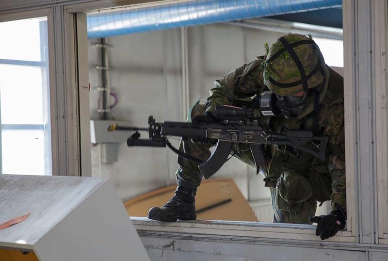 Armée Finlandaise / Finnish Defence Forces / puolustusvoimat - Page 8 98j14