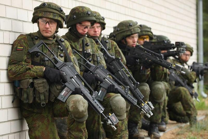 Armée lituanienne/Lithuanian Armed Forces - Page 5 98j17
