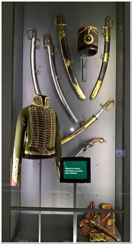 Les paras du Gers visitent le musée des Hussards à Tarbes Unp_3226