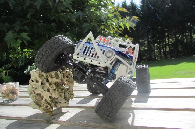 a supprimer, merci... finalement non ! Scale Jeep (édit soyann) Img_0321