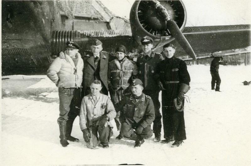Photos aviateurs allemands ww2 Adolf Galland? _57-310