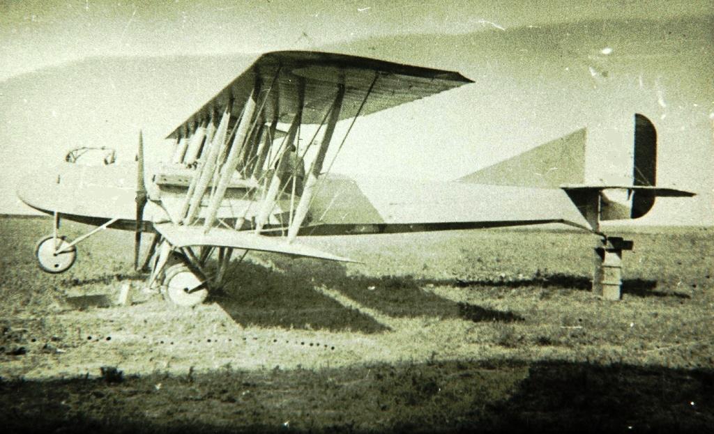 [ Aéronavale divers ] Quel est cet aéronef ? - Page 6 Biplan11