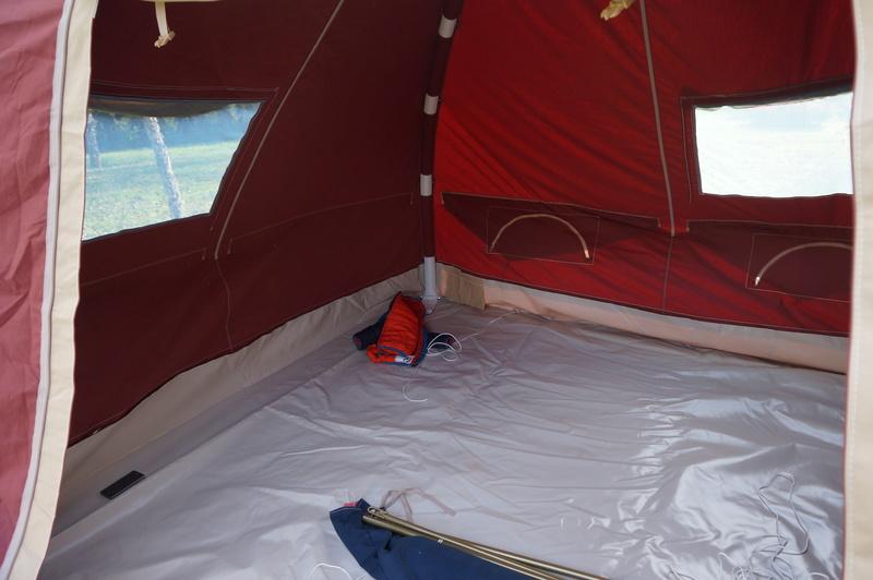 recherche une tente facile à monter - Page 3 Dsc04210