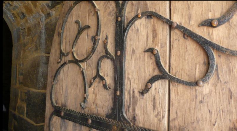 Voici quelques photos perso du chateau de geudelon  Chron293