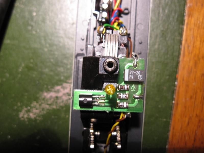 """Module """"gyrophare"""" sur V100 """"SECO DG"""" Märklin 83474 Img_0109"""