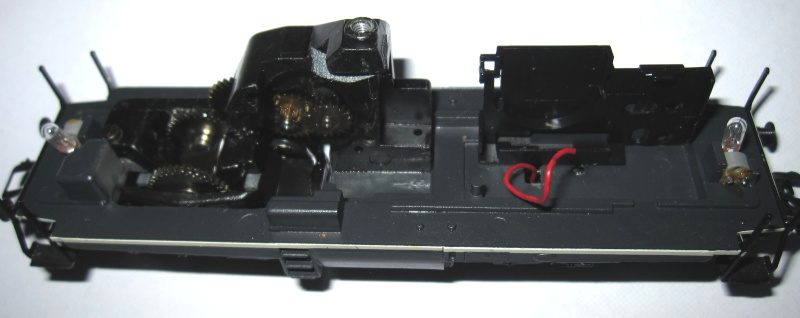 """Module """"gyrophare"""" sur V100 """"SECO DG"""" Märklin 83474 Img_0112"""