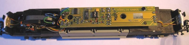 Amélioration du câblage du kit Märklin 60760 sur Re 460 Img_0127